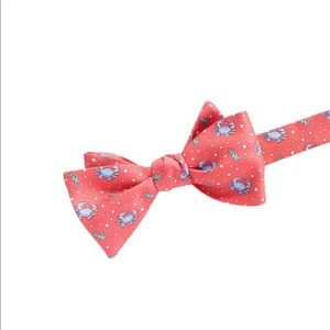 Vineyard Vines crab all silk bow tie